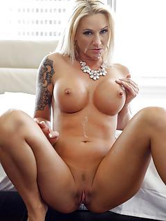 MILF Tattoo Pics