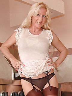 MILF Panties Pics